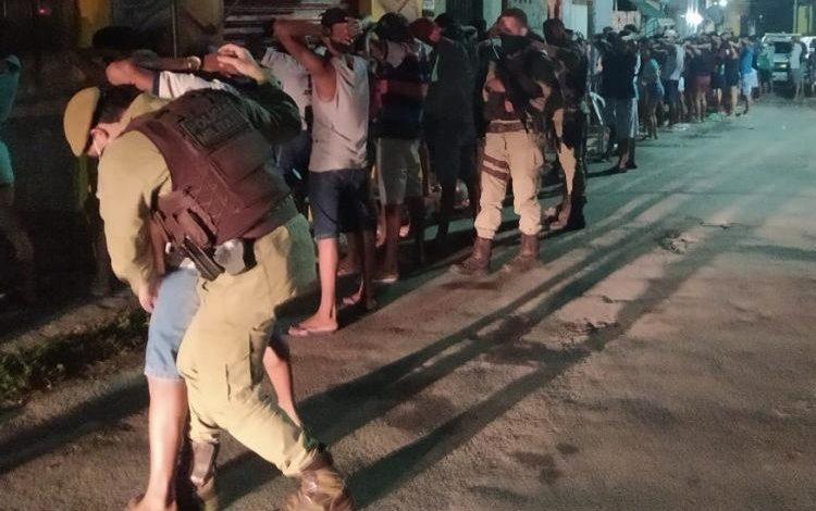 festa,festa em lauro de freitas,policia encerra festa na bahia,bahia noticias,